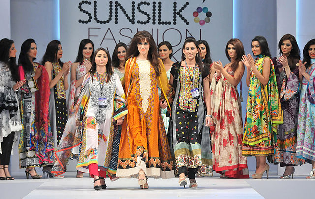 Scope Of Fashion Designing Course Field In Pakistan English Urdu